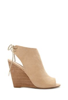 Peep Toe a Wedge