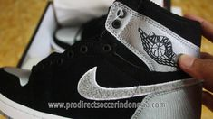 premium selection 86aec f1564 Sepatu Basket Nike Air Jordan 1 Retro Ultra High Aleali Black Shadow Gre.