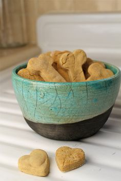 DIY peanut butter dog treats - vegan & gluten free