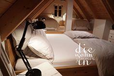 #ferienhaus #cottage #kellerstöckl #hotel #bedroom #masterbedroom #doppelbett #schlafzimmer #lampe #ikea #FORSÅ #vintage #landhausstil #weingarten #austria #südburgenland #csaterberg Ikea, Vintage, Home, Twin Size Beds, Cottage Chic, Cottage House, Ikea Ikea, Ad Home, Homes