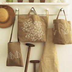 Cabas cousus en toile épaisse brodé de feuilles d'arbres en laine blanche n°48