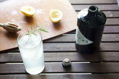 rosemary gin fizz for hot summer days