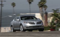 Aiming for the middle-aged, the 2013 Lincoln MKS Ecoboost. Lincoln Life, Lincoln Mks, Luxury Car Brands, Luxury Cars, Automotive News, Automotive Industry, Chrysler 300s, Cadillac Xts, Hyundai Genesis