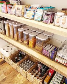 mind-blowing kitchen pantry design ideas for your inspiration 1 ~ mantulgan.me mind-blowing kitchen pantry design ideas for your inspiration 1 ~ mantulgan. Kitchen Organization Pantry, Home Organisation, Diy Kitchen Storage, Organization Hacks, Organizing Ideas, Organized Pantry, Kitchen Organizers, Organising, Smart Kitchen