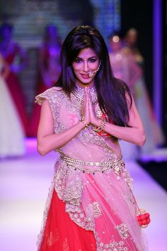Chitrangada Singh walked the ramp for jewellery designer Moni Agarwal on the first day of Indian International Jewellery Week 2014.