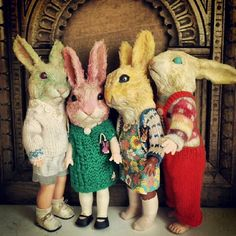Annie Montgomerie Dolls: weird but at the same time a little community of it's…