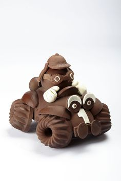 Chocolate Work, Chocolate Lovers, Artisan Chocolate, Homemade Chocolate, Chocolate Showpiece, Sushi Art, Chocolate Decorations, Plated Desserts, Food Art