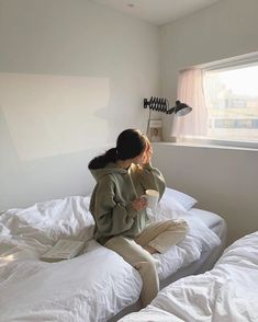 Discover recipes, home ideas, style inspiration and other ideas to try. Korean Aesthetic, Aesthetic Photo, Aesthetic Girl, Japanese Aesthetic, Aesthetic Pastel, White Aesthetic, Mode Ulzzang, Ulzzang Korean Girl, Ulzzang Style