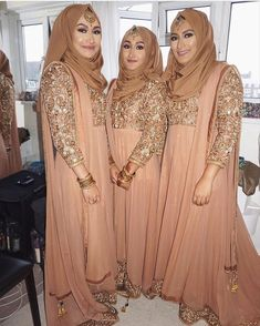 Sometimes less is more and it can create such an elegant look like these stunning girls Pic & MUA: Outfits: Jeenuk in London Asian Bridesmaid Dresses, Asian Wedding Dress, Indian Bridesmaids, Bridal Dresses, Bridal Hijab, Hijab Bride, Wedding Hijab Styles, Pakistani Wedding Dresses, Pakistani Outfits