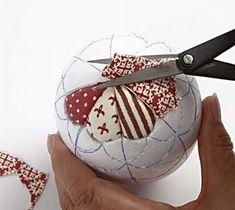 A Polystyrene Egg with Vivi Gade Fabric - Creative activities Folded Fabric Ornaments, Fabric Christmas Ornaments, Quilted Ornaments, Handmade Ornaments, Christmas Baubles, Christmas Crafts, Fabric Balls, Navidad Diy, Crafts For Seniors
