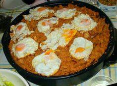 Plato típicos de Alfarnate. Migas con huevo frito.