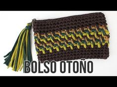 T-shirt yarn. Zig Zag Crochet, Diy Crochet, Crochet Stitches, Crochet Purses, Crochet Bags, Crochet Designs, Crochet Patterns, Crochet Pencil Case, Crochet Phone Cases