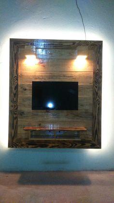 Painel para TV rústico 1750x1500mm com iluminação em Led.