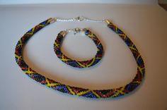 Háčkovaný náhrdelník a náramek - dutinky z korálků