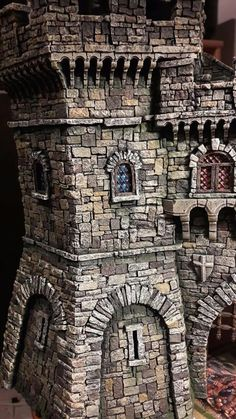 Csstle tower, with multi-colour brick/stone paining. Game Terrain, 40k Terrain, Wargaming Terrain, Medieval Houses, Medieval Castle, Model Castle, Dungeons And Dragons Game, Warhammer Terrain, 3d Modelle