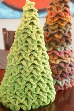 Crocheting: Spring Crochet Tree. Could work for Christmas, Thanksgiving, Patriotic holidays too!