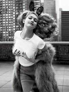 M: Gigi Hadid, P: Sebastian Faena (CR Fashion Book #5)