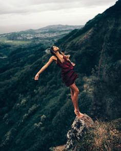 Incredible Levitation Photography by Christopher James #levitation #photography