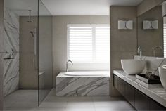 Mini wall separating bath and sink