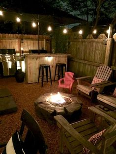 50 Good Small Backyard Landscaping Ideas on A Budget Backyard on a budget. 50 Good Small Backyard Landscaping Ideas on A Budget Backyard on a budget seating areas 50 G Cozy Backyard, Backyard Seating, Backyard Patio Designs, Small Backyard Landscaping, Fire Pit Backyard, Backyard Ideas For Small Yards, Backyard Ideas On A Budget, Desert Backyard, Diy Patio