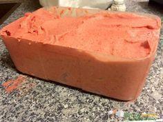 Gelato alla fragola Bimby con panna, un gelato fresco di frutta con tutta la cremosità della panna fresca! Ingredienti: 60 grammi di zucchero, 300 gr di ...