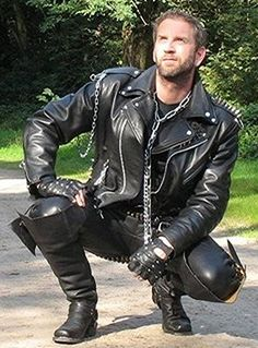 Jackets For Stylish Men. Jackets really are a crucial part of every man's closet. Men need to have outdoor jackets for a variety of circumstances and several climate conditions. Biker Leather, Leather Men, Leather Boots, Leather Jackets, Black Leather, Fashion Moda, Mens Fashion, Fashion Wear, Street Fashion