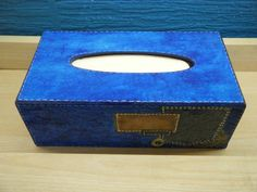 Κουτί για χαρτομάντηλα Tissue Holders, Facial Tissue, Decoupage, Diy, Bricolage, Do It Yourself, Diys, Crafting