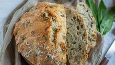 Írsky sódový chlieb s medvedím cesnakom | Recepty.sk Kraut, Bread, Food, Mai, Fast Recipes, Food Food, Bakken, Brot, Essen