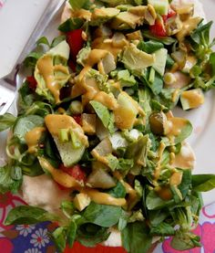 Indian veggie salad with pappadums/ Indiase Veggie Lunch | De Groene Meisjes (recipe is in Dutch)