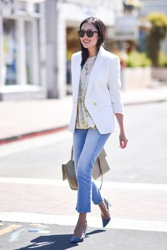 Beautiful summer outfit - white blazer and light denim | 9to5chich