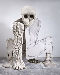 Thomas Houseago, Baby, 2009-2010. Tuf-Cal, hemp, iron rebar, wood, graphite, and charcoal, 102 1/2 × 90 × 81 inches (260.4 × 228.6 × 205.7 cm). Collection of the artist; courtesy Michael Werner Gallery, New York and Galeria Zero, Milan