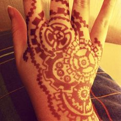 Got a steampunk henna tattoo done at @afflecks_manchester … Sooo beautiful :)…