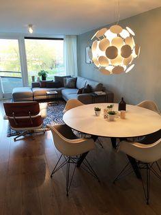 Odesi bij de klant.... onze Belly ronde eetkamer tafel hier mooi gecombineerd met design klassiekers.