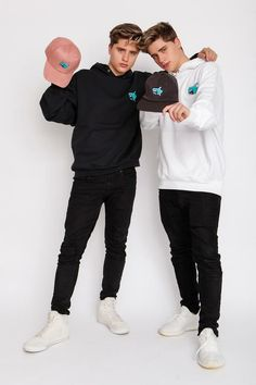 Martinez Twins launched Link in Bio as a premium influencer merchandise company with the grand vision of designing/delivering elevated style to fans worldwide. Martinez Twins Emilio, Emilio And Ivan Martinez, Martinez Twins Wallpaper, Martinez Brothers, Martenez Twins, Cool Hairstyles For Men, Best Friend Pictures, Tumblr Boys, Barbie Clothes
