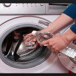 Due rimedi infallibili per evitare la muffa e i cattivi odori in lavatrice
