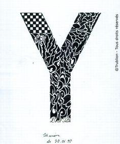 Trublion's Work : Grande lettre majuscule Y, Lettrine dessinée à la plume en encre de chine. Alphabet. réalisation au trait sur feuille d'écolier format A4 dessin