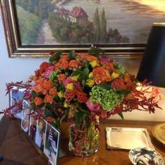 """News... News.. News... A querida @franziskahubener, estará, sempre aos domingos, conosco!!! 😍😍😍 #repost @olioli_lifestyle """"Tudo começou com um arranjo que eu levei em um jantar para o Fabio Arruda e ele mandou fotos para a prima, Patrícia de Sabrit, que estava de casamento marcado para outubro. Eles amaram os arranjos que fiz para a querida @la_table_de_giselle no evento da Vista Alegre. Resolvi introduzir mais flores rosas, além das laranjas, amarelas e verdes. Foram várias madrugadas no…"""