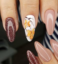 Image may contain: one or more people Manicure Nail Designs, Fall Manicure, Pink Manicure, Fall Nail Art Designs, Pink Acrylic Nails, Colorful Nail Designs, Purple Nails, Gel Nails, Elegant Nail Art
