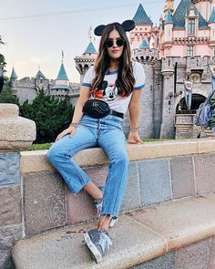 What People Wear To Disney Parks Around The World - Disney world outfits - Disney World Outfits, Cute Disney Outfits, Disney Inspired Outfits, Themed Outfits, Disney Style, Disney Dream, Disney Fashion, Emo Outfits, Disneyland Paris