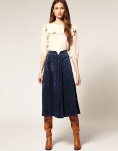 Suede Midi Skirt & boots! OK this is what I'm talking about! ♡♡♡