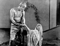 Douglas Fairbanks, Julanne Johnston and Raoul Walsh in The Thief of Bagdad Vintage Glam, Vintage Hollywood, Hollywood Walk Of Fame, In Hollywood, Olive Thomas, Buddy Rogers, Marie Prevost, Bessie Love, Bagdad