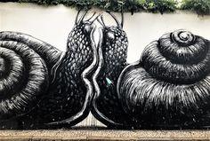 Roa // Lagos (POR), 2018, by Léa T Art Addiction, Sand Sculptures, Street Art Graffiti, Public Art, Urban Art, Bunt, Art Life, Interesting Photos, Air