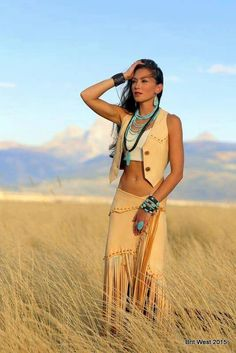 Pin tillagd av valerie harris på yes native american women, Native Girls, Native American Girls, Native American Beauty, Native American Clothing, American Indian Girl, American Photo, Elegantes Business Outfit, Looks Country, Native Style