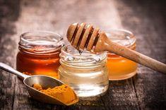 Turmeric and Honey: A Natural Antibiotic with Tons of Health Benefits - Antibiotic, Honey, natural remedies, Turmeric Turmeric Face Pack, Turmeric And Honey, Homemade Face Pack, Homemade Recipe, How To Cure Pimples, Turmeric Recipes, Golden Milk, Golden Honey, Natural Antibiotics