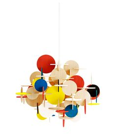The Multi Bau lamp is a design by Vibeke Schmidt Fonnesberg for Danish Normann Copenhagen. Bau is a lamp that combines geometric shapes to make a unique and creative design. Perfect above the dining table! Schmidt, Dot And Bo, Design Shop, 80s Design, Milan Design, Mint Room, Atelier Architecture, Hanging Lamp Design, Hanging Art