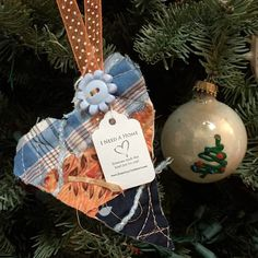 I work at Diablo Foods in Lafayette Ca & I found a heart ❤️ on my lunch hour walking by El Jarro, it was hanging in a plant outside of the restaurant… Thank you to the person that made me smile! I love it & its now nestled in my Christmas Tree at home. 😘 #ifaqh #ifoundaquiltedheart