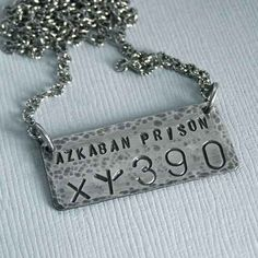 Sirius Black - Azkaban Placard Necklace - Unisex - Oxidized Sterling Silver from MadamePoindextra on Etsy. Saved to harry potter fangasm. Font Harry Potter, Colar Harry Potter, Harry Potter Schmuck, Bijoux Harry Potter, Objet Harry Potter, Harry Potter Friends, Harry Potter Merchandise, Harry Potter Outfits, Harry Potter World