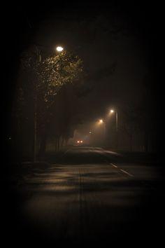Night Aesthetic, City Aesthetic, Dark Photography, Night Photography, Black Aesthetic Wallpaper, Aesthetic Wallpapers, Night Vibes, Dark Paradise, Dark Places