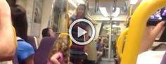 Esta mujer comienza a cantar en el tren. Ahora mira a la niña de rosa #viral
