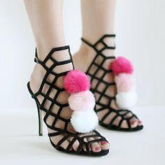 Pombons faux fur pom pom shoes clips